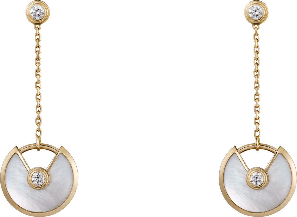 Amulette de Cartier earrings, XS modelYellow gold, white mother-of-pearl, diamonds