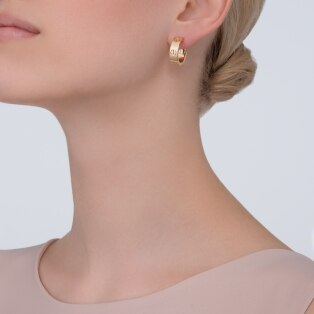 Love earrings Yellow gold